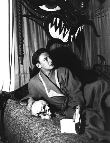 Artur in seiner Studentenbude (1940)