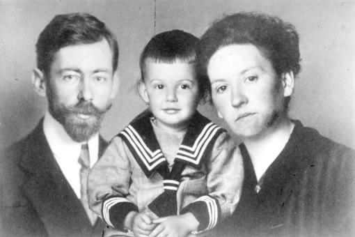 Artur Beul mit Eltern Hermann & Louise «Lulu» (1918)