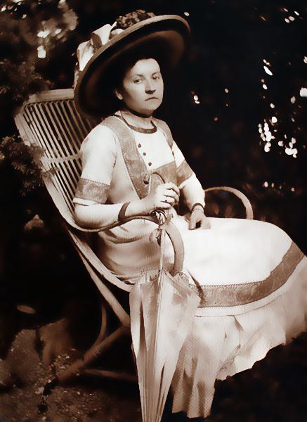 Mamma, Louise Beul im Amerika-Look