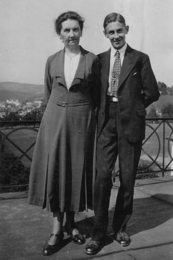Artur Beul und seine Mutter (St. Gallen, September 1932)