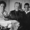 Mutter, Grossmutter und Artur (1924)