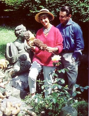 Artur und Lale. Zuhause im Garten in Zollikon (1959)