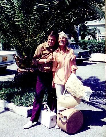 Artur und Lale. Am Flughafen in Nizza (1962)